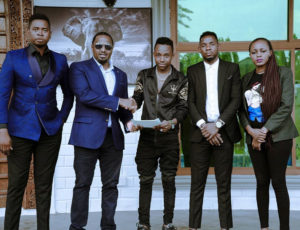 Ibraah (middle) signed to Konde Music Worldwide