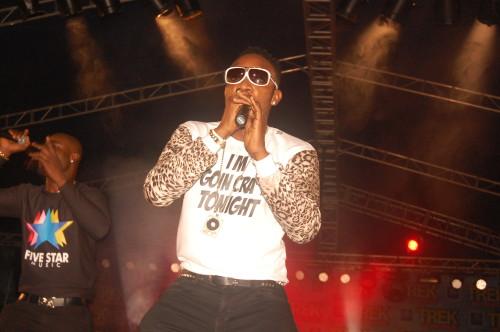 Kcee on stage (9)