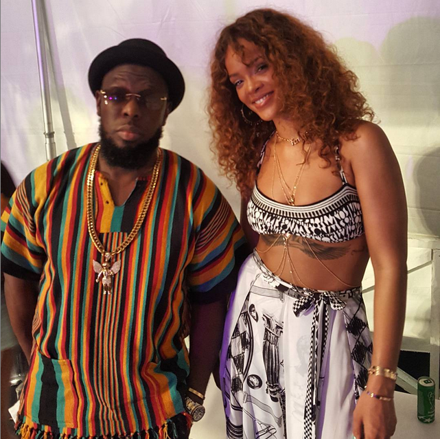 "Rihanna Dances Backstage as Timaya Performs ""Bum Bum"" @ Crop Over 2015 Festival, Barbados"