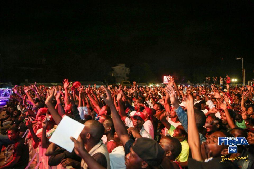 tanzania-fans-yemi-alade
