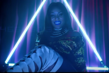 VIDEO: Emma Nyra – Drop It