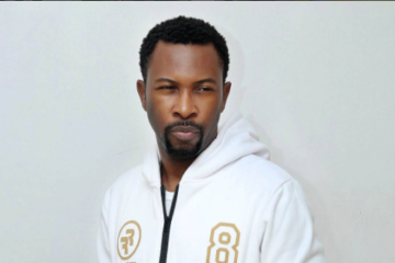 Fans of Naira Marley beat up Ruggedman in London