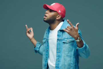 VIDEO: Angelo King – Pick Up The Phone Ft. ND