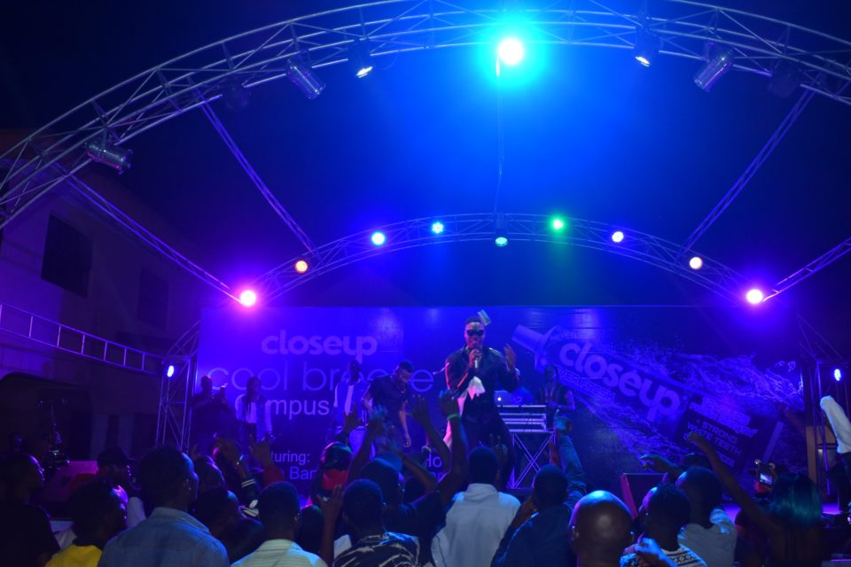 L A X serenading the crowd with hits like Ginger Caro and many more at the Closeup Cool Breeze city party in Benin Edo State 002 960x640