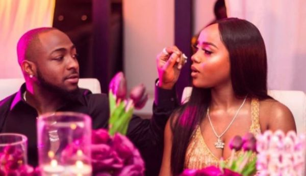 "Nigerians On Twitter Blast Davido After Chioma's Postive Result, Call Them ""Irresponsible"""