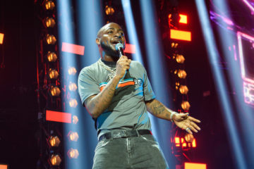 Davido Loses To Taylor Swift At The Nickelodeon Kids' Choice Awards