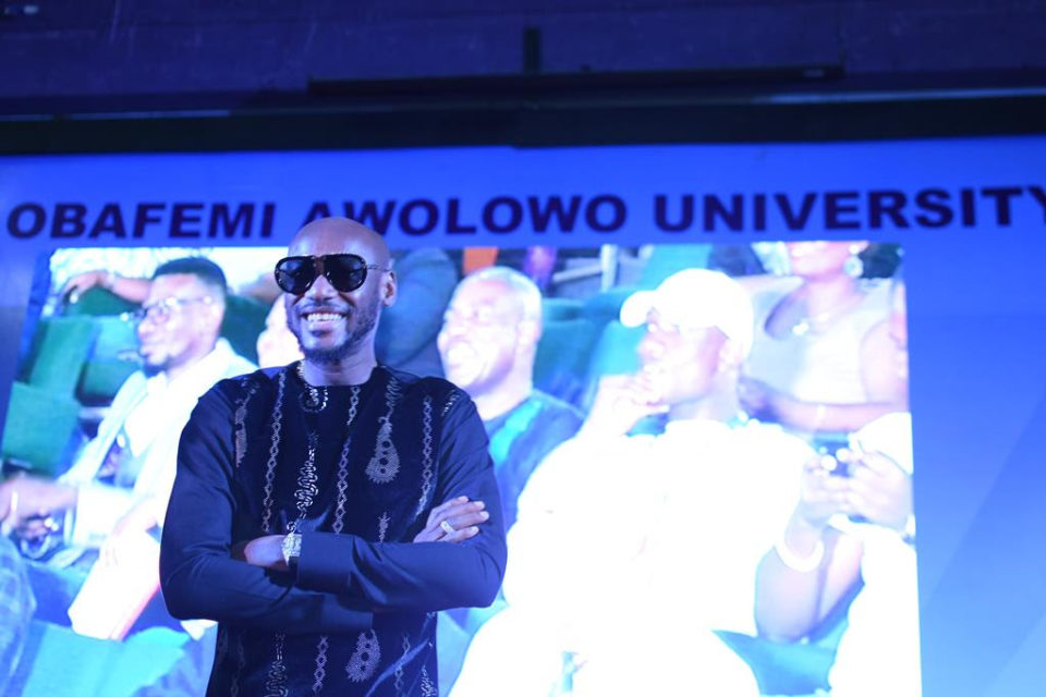 After 2 Decades In The Industry, 2Baba Receives Award of the Fellow of the School of Music at OAU