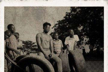 Kwesi Slay ft. Kwesi Arthur, Medikal, Kofi Mole & DJ Mic Smith – Seven (Remix)