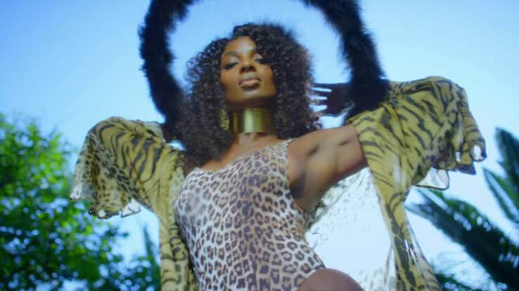 VIDEO: Lisa Yaro - Relate