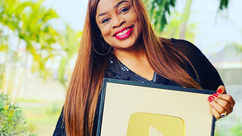 Nigerian Gospel Artiste, Sinach Becomes The First Black Person To Take Number One Spot on USA Billboard