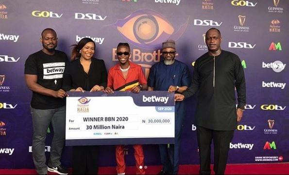 Laycon Receives His 30 Million Naira Cash Prize BBNaija