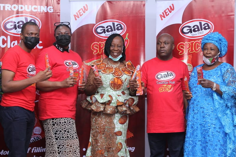 (L-R) Oluitan Mofiyin, Brand Manager, Snacks, UAC Plc; Adebola Williams, General Manager, Marketing, UAC Plc; Mrs Roseline Nwana, Lagos Distributor; Chris Towoju, General Manager ,Sales, UAC Plc;  and Mrs Agnes Okuakwa, Lagos Distributor, at the launch of the new Gala Spicy and Gala Classic variants in Lagos.