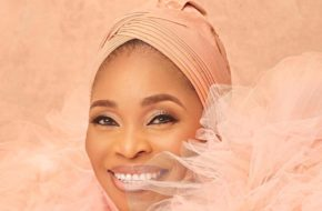 Tope Alabi's Reaction to 'Oniduro Mi' Sets Twitter On Fire! | See Reactions