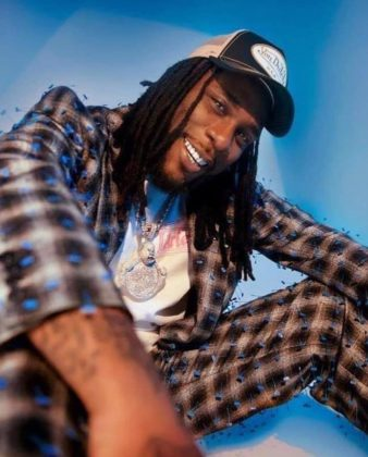 Watch Burna Boy Performing at His Grandfather's 85th Birthday