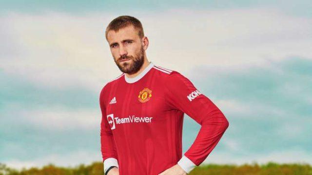 Luke Shaw in Manchesterv United new kit