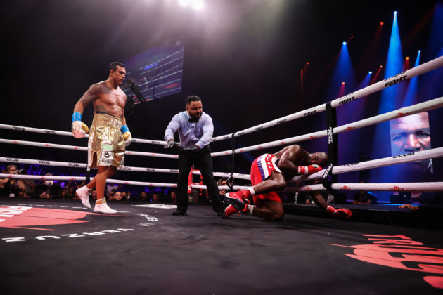 Victor Belfort vs Evander Holyfield